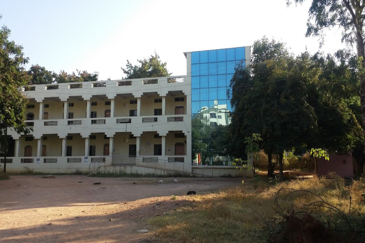 https://cache.careers360.mobi/media/colleges/social-media/media-gallery/11492/2018/10/2/College View of Government Institute of Electronics_Campus-View.png