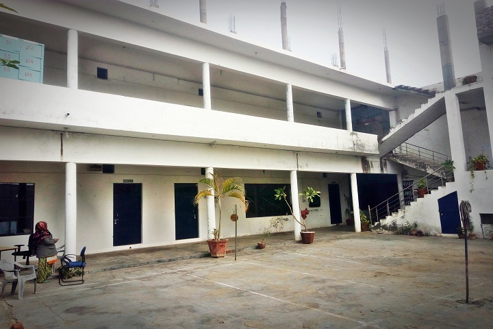 https://cache.careers360.mobi/media/colleges/social-media/media-gallery/11503/2019/2/26/Campus view of Billah College of Pharmacy Bulandshahr_Campus-view.jpg