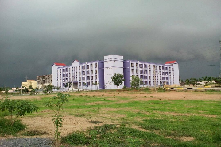 https://cache.careers360.mobi/media/colleges/social-media/media-gallery/11622/2019/8/2/Campus View of Government Polytechnic Sambalpur_Campus-View_1.jpg