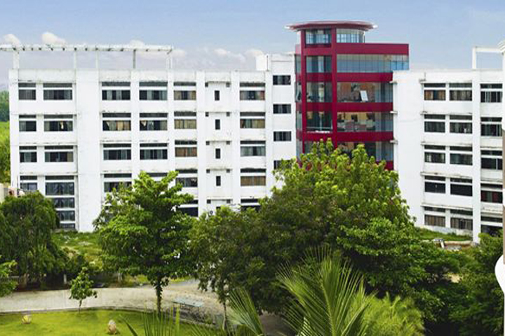 https://cache.careers360.mobi/media/colleges/social-media/media-gallery/11642/2019/2/27/Campus View of Sri Manakula Vinayagar Polytechnic College Pondicherry_Campus-View.jpg
