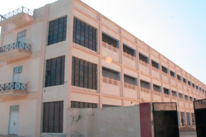 https://cache.careers360.mobi/media/colleges/social-media/media-gallery/11681/2019/1/6/College Building of Rajendra Polytechnic Sirsa_Campus-View_1.jpg
