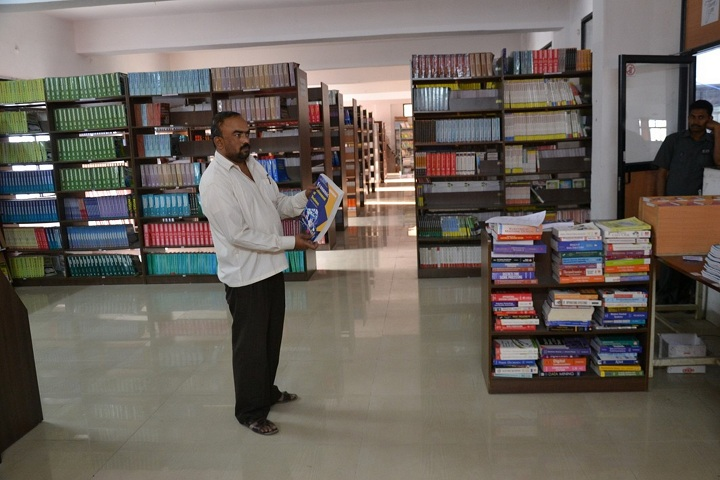 https://cache.careers360.mobi/media/colleges/social-media/media-gallery/11770/2019/2/27/Library of Shri Shivaji Polytechnic Institute Parbhani_Library.jpg