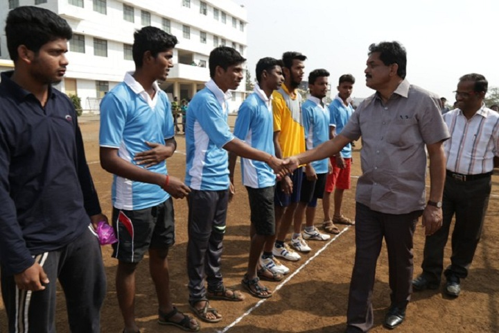 https://cache.careers360.mobi/media/colleges/social-media/media-gallery/11772/2019/2/27/Sports of Sharad Institute of Technology Polytechnic Yadrav_Sports.jpg