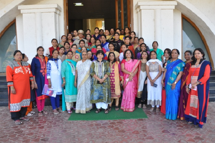 https://cache.careers360.mobi/media/colleges/social-media/media-gallery/11775/2019/3/7/Group Photo of Government Polytechnic Mumbai_others.jpg