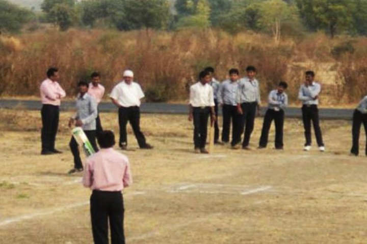 https://cache.careers360.mobi/media/colleges/social-media/media-gallery/11784/2019/1/16/Sports of Shri Sureshchandra Dhariwal Polytechnic Jalgaon_Campus-view.JPG