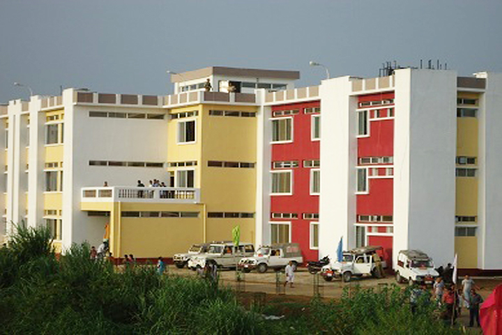 https://cache.careers360.mobi/media/colleges/social-media/media-gallery/11794/2019/3/8/Campus view of Gomati District Polytechnic Gomati_Campus-view.jpg