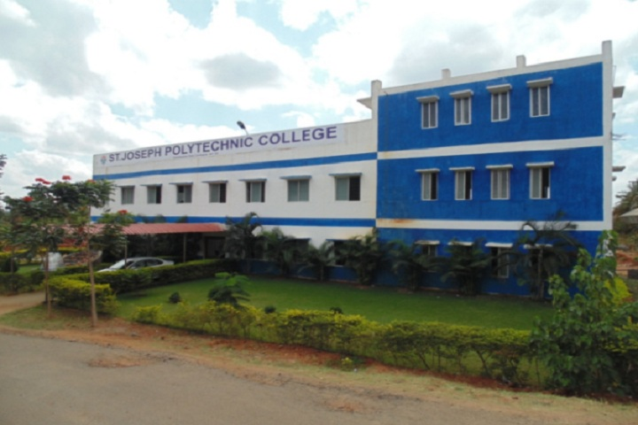 https://cache.careers360.mobi/media/colleges/social-media/media-gallery/11828/2019/4/2/Campus view of St Joseph Polytechnic College Coimbatore_Campus-View.jpg