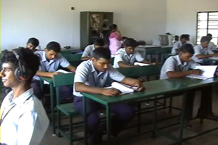 https://cache.careers360.mobi/media/colleges/social-media/media-gallery/11829/2019/1/12/Classroom of NA Manjammal Polytechnic College Rajapalayam_Classroom.jpg