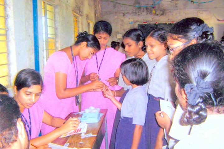 https://cache.careers360.mobi/media/colleges/social-media/media-gallery/11844/2016/6/29/M-N-R-College-Of-Nursing-Sangareddy-Mandal-(4).jpg