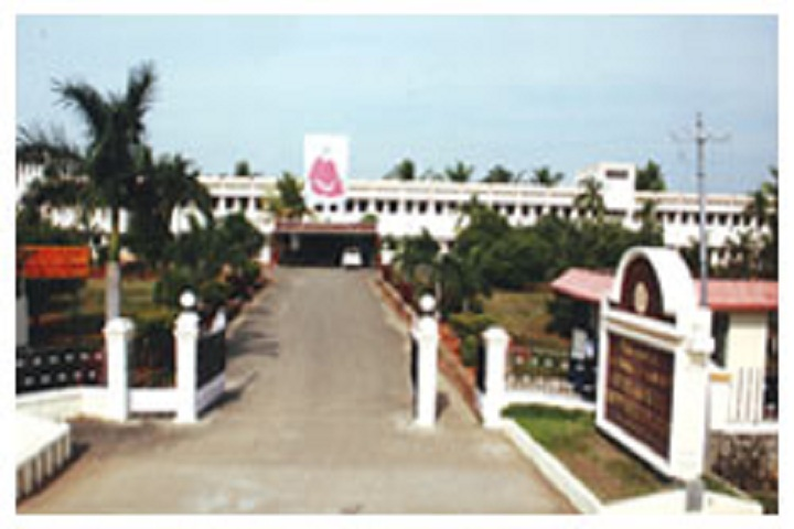 https://cache.careers360.mobi/media/colleges/social-media/media-gallery/11893/2019/3/14/Campus view of Adhiparasakthi Polytechnic College Melmaruvathur_Campus-view.jpg