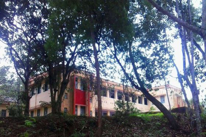 https://cache.careers360.mobi/media/colleges/social-media/media-gallery/11986/2019/2/28/Campus-View of Government Polytechnic College Adoor_Campus-View.jpg