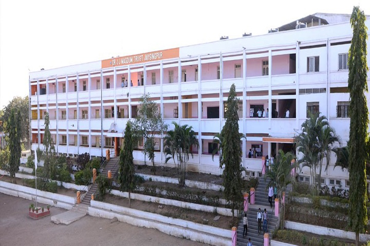 https://cache.careers360.mobi/media/colleges/social-media/media-gallery/12073/2018/9/18/Campus View of Dr JJ Magdum Polytechnic Jaysingpur_Campus-View.jpg