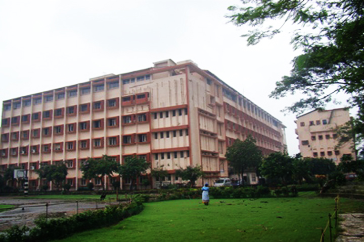 https://cache.careers360.mobi/media/colleges/social-media/media-gallery/12081/2019/1/7/Clooege bulidding of Vivekanand Education Societys Polytechnic Chembur_Campus-View.jpg