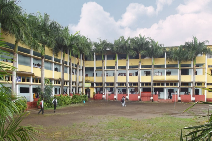 https://cache.careers360.mobi/media/colleges/social-media/media-gallery/12091/2019/4/4/Campus View of Shantiniketan-Polytechnic-Sangli_Campus-View.jpg