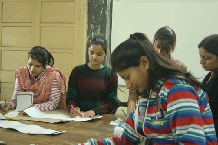 https://cache.careers360.mobi/media/colleges/social-media/media-gallery/12123/2019/7/24/Reading room of Government Womens Polytechnic College Jaipur_Library.jpg