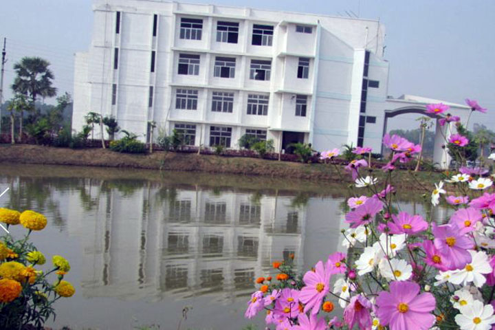 https://cache.careers360.mobi/media/colleges/social-media/media-gallery/1218/2020/10/27/Campus View of Seacom Skills University Birbhum_Campus-View.jpg