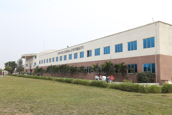 https://cache.careers360.mobi/media/colleges/social-media/media-gallery/1223/2019/7/3/Campus-View of ITM Vocational University Vadodara_Campus-View.jpg