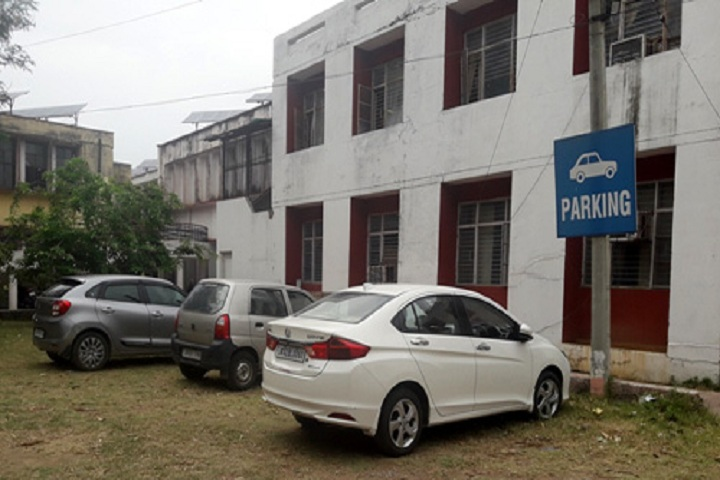 https://cache.careers360.mobi/media/colleges/social-media/media-gallery/12244/2019/2/18/Parking of Government Polytechnic Jammu_Others.jpg