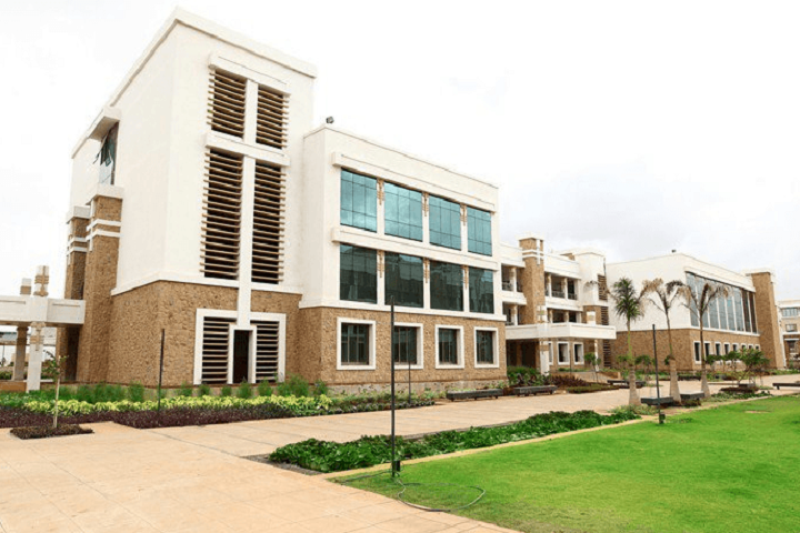 https://cache.careers360.mobi/media/colleges/social-media/media-gallery/12257/2019/3/4/Campus view oof Sandip Polytechnic Nashik_Campus-View.png