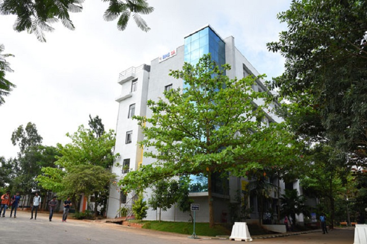 https://cache.careers360.mobi/media/colleges/social-media/media-gallery/12277/2019/7/22/Campus View of BMS School of Architecture Bangalore_Campus-View.jpg