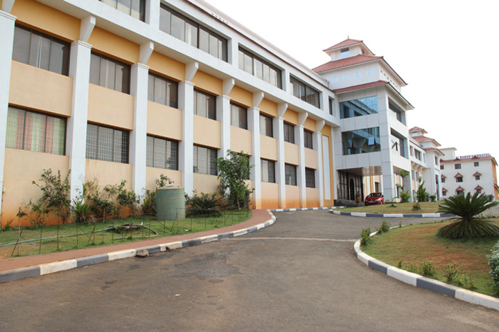 https://cache.careers360.mobi/media/colleges/social-media/media-gallery/12327/2019/3/5/Campus View of Vedavyasa College of Architecture Malappuram_Campus-View.jpg