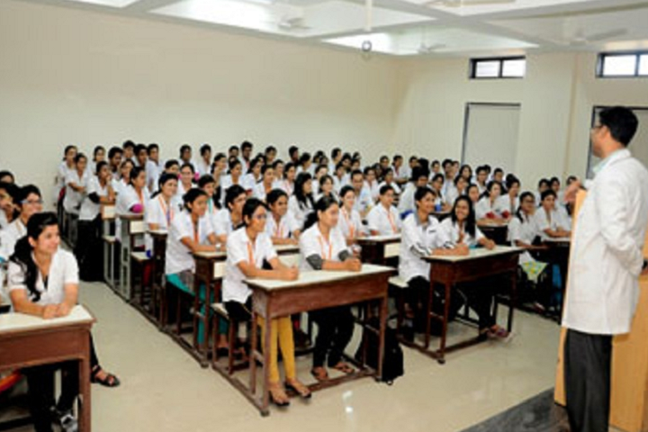 https://cache.careers360.mobi/media/colleges/social-media/media-gallery/12380/2019/4/9/Classroom of Dr DY Patil College of Physiotherapy Pune_Classroom.png