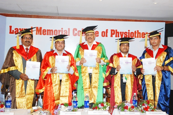 https://cache.careers360.mobi/media/colleges/social-media/media-gallery/12417/2019/5/4/Graduation Day of Laxmi Memorial College of Physiotherapy Mangalore_Events.jpg
