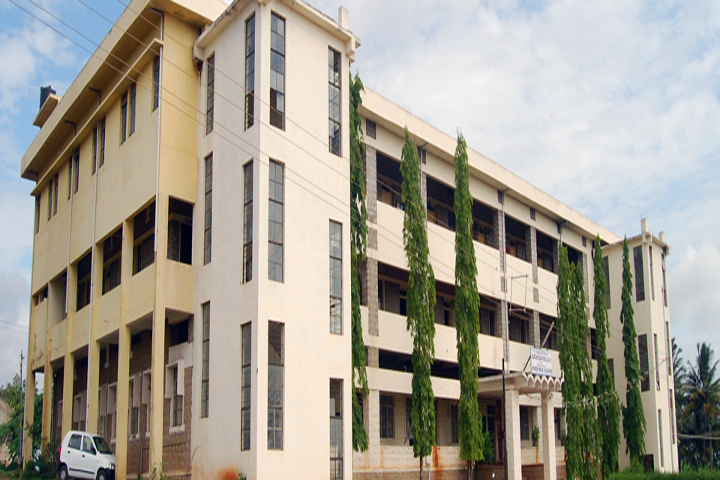 https://cache.careers360.mobi/media/colleges/social-media/media-gallery/12469/2019/1/5/Campus View of Shri JG Co Operative Hospital Societys Ayurvedic Medical College, Belgaum_Campus View.jpg