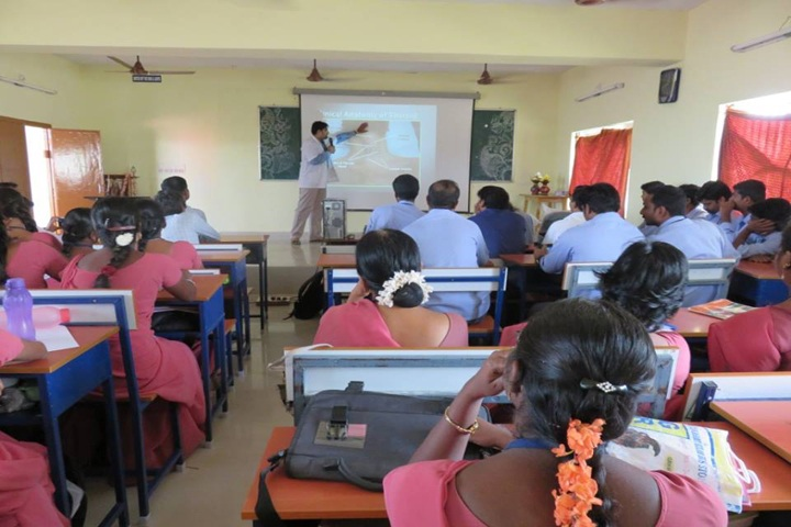 https://cache.careers360.mobi/media/colleges/social-media/media-gallery/12521/2018/12/24/Classroom of Sri Jayendra Saraswathi Ayurveda College and Hospital Chennai_Classroom.jpg