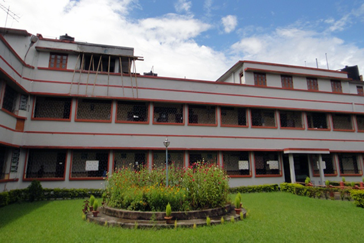 https://cache.careers360.mobi/media/colleges/social-media/media-gallery/12554/2018/12/24/Campus View of CMC College of Nursing, Manipur_Campus View.JPG