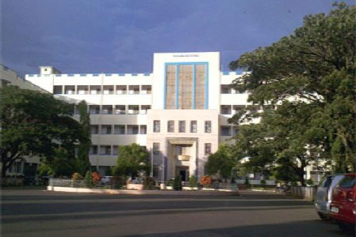 https://cache.careers360.mobi/media/colleges/social-media/media-gallery/12561/2018/12/24/Campus View of KLE Society_s Institute of Nursing Sciences, Hubli_Campus View.JPG