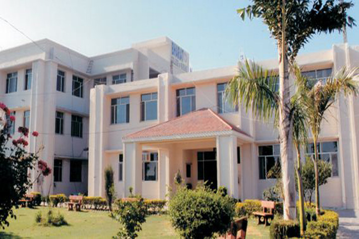 https://cache.careers360.mobi/media/colleges/social-media/media-gallery/12616/2018/12/26/Campus View of Bharat College of Nursing, Jalandhar_Campus View.jpg