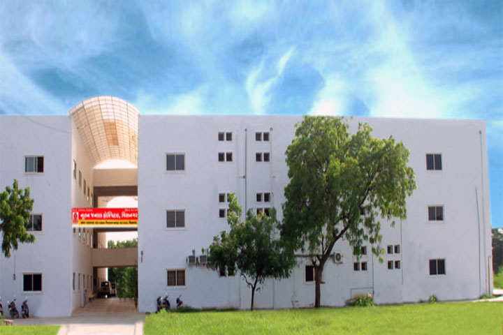 https://cache.careers360.mobi/media/colleges/social-media/media-gallery/12713/2018/12/14/Campus View of Nootan College of Nursing, Visnagar_Campus View.jpg