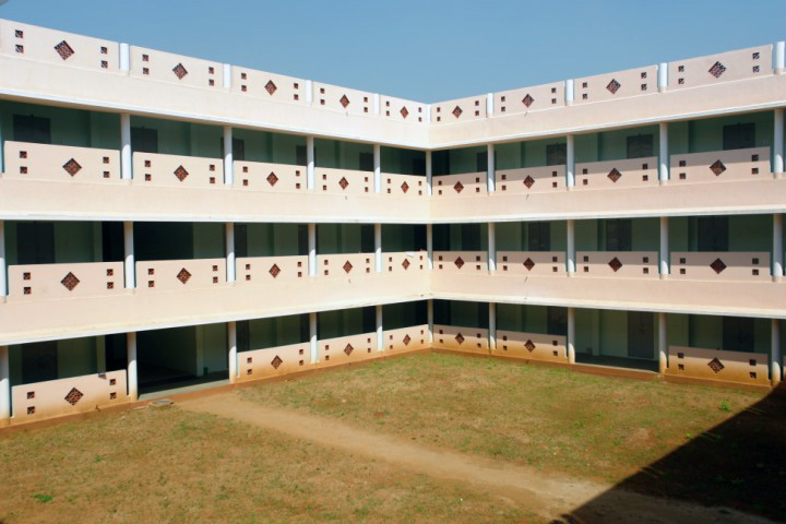 https://cache.careers360.mobi/media/colleges/social-media/media-gallery/12756/2018/11/24/Campus View of Sri Gokulam College of Nursing Salem_Campus View_1.jpg