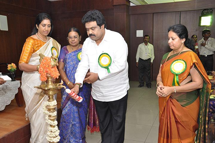 https://cache.careers360.mobi/media/colleges/social-media/media-gallery/12918/2016/7/1/Indira-College-of-Nursing-Thiruvallur-(11).jpg