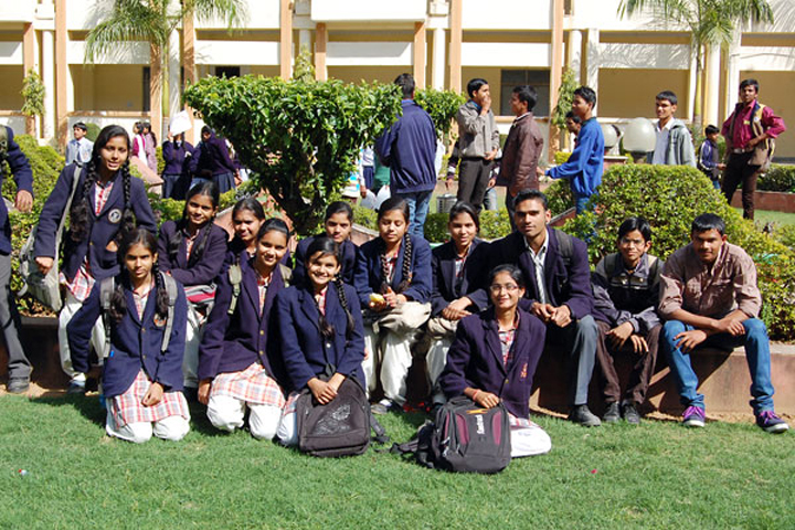 https://cache.careers360.mobi/media/colleges/social-media/media-gallery/12950/2016/7/4/Nagaji-Institute-of-Nursing-Sciences-Gwalior-(15).jpg