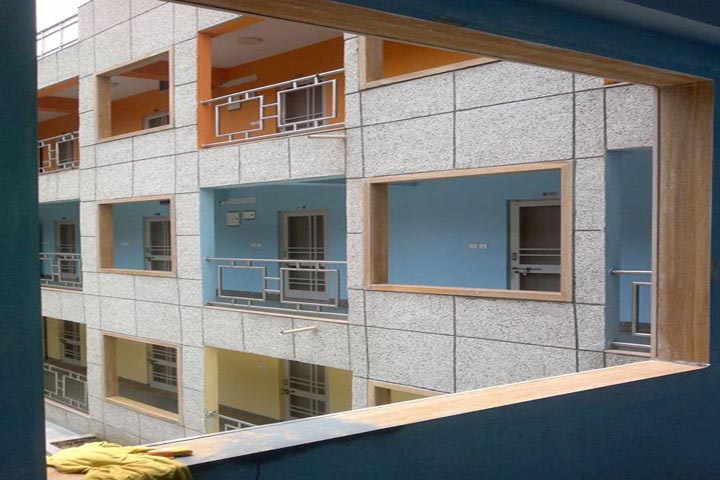 https://cache.careers360.mobi/media/colleges/social-media/media-gallery/1302/2019/3/29/Campus View of National Institute of Fashion Technology Gandhinagar_Campus-View_1.jpg