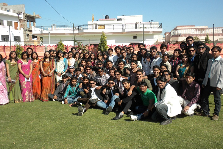 https://cache.careers360.mobi/media/colleges/social-media/media-gallery/13099/2019/3/4/Students of Star Infotech College Ajmer_Others.jpg