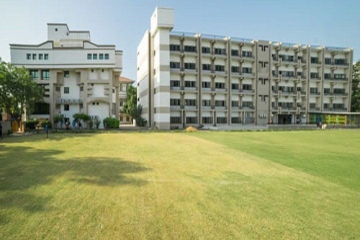 https://cache.careers360.mobi/media/colleges/social-media/media-gallery/1311/2019/7/1/College Building View of GLS University Ahmedabad_Campus-View.jpg