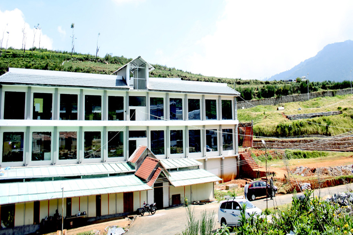 https://cache.careers360.mobi/media/colleges/social-media/media-gallery/13142/2019/1/9/Campus View of McGANs Ooty School of Architecture Ooty_Campus-View.jpg