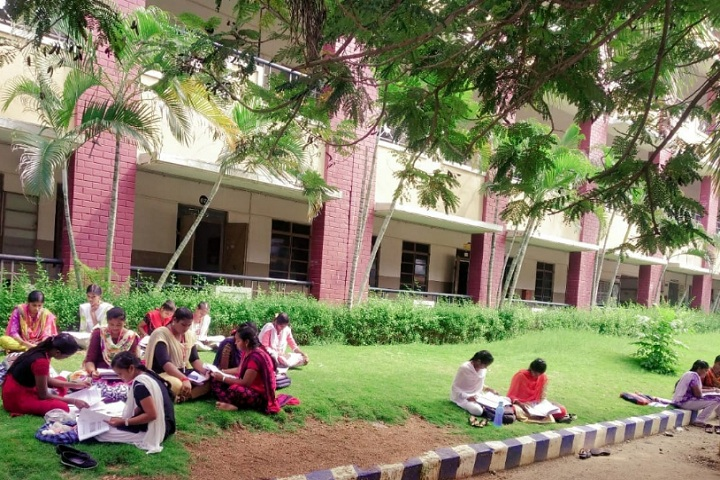 https://cache.careers360.mobi/media/colleges/social-media/media-gallery/13173/2020/2/25/Campus Inside View of Shri Sakthikailassh Womens College Salem_Campus-View.jpg