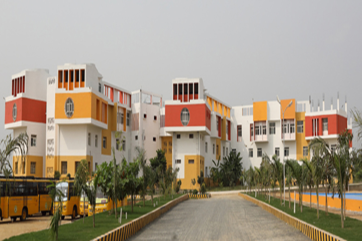 https://cache.careers360.mobi/media/colleges/social-media/media-gallery/13181/2018/12/24/Campus View of Sri Vijay Vidyalaya College of Arts and Science Dharmapuri_Campus-View.jpg