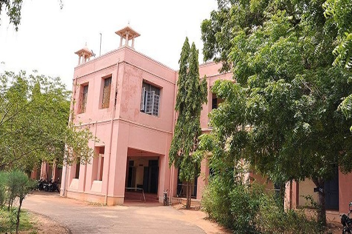 https://cache.careers360.mobi/media/colleges/social-media/media-gallery/13188/2018/12/9/Campus View of Rajah Serfoji Government College Thanjavur_Campus-View.JPG