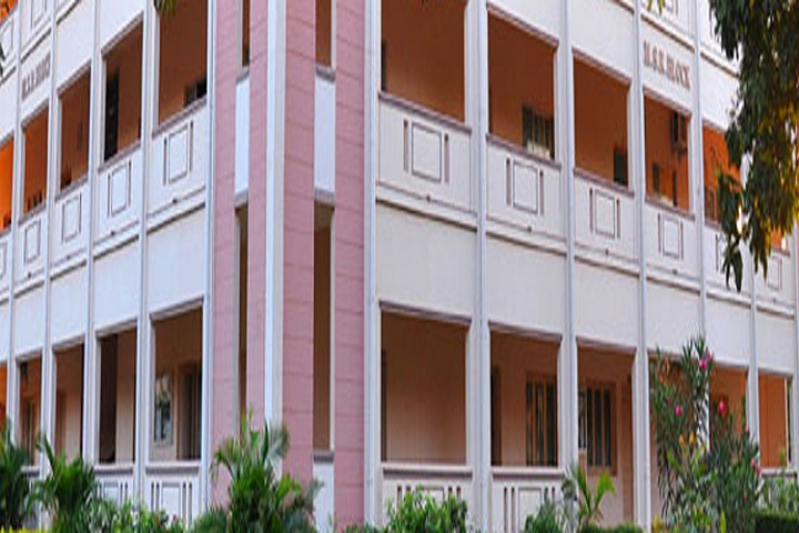 https://cache.careers360.mobi/media/colleges/social-media/media-gallery/13205/2019/6/6/Campus-View of Urumu Dhanalakshmi College Tiruchirappalli_Campus-View.jpg