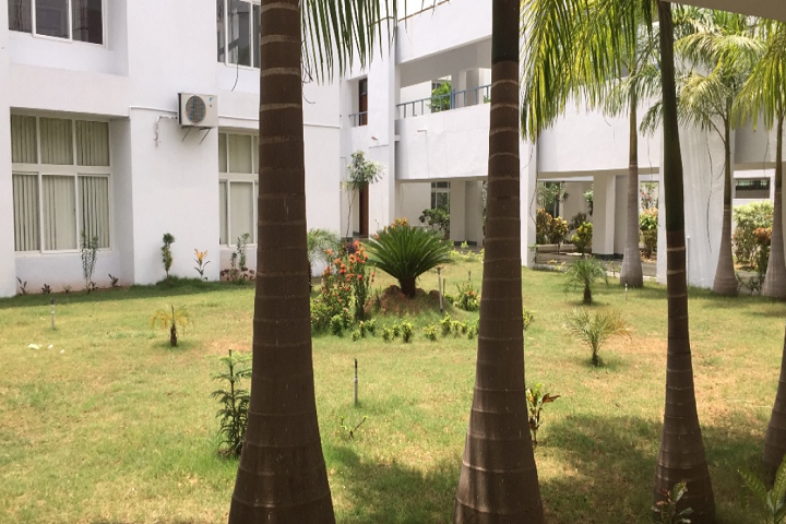 https://cache.careers360.mobi/media/colleges/social-media/media-gallery/13208/2020/1/16/Campus View of Deen College of Arts and Science, Nagapattinam_Campus-View.png
