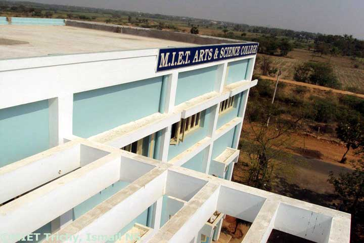 https://cache.careers360.mobi/media/colleges/social-media/media-gallery/13214/2018/12/24/Building View of MIET Arts and Science College Tiruchirappalli_Campus-View.jpg