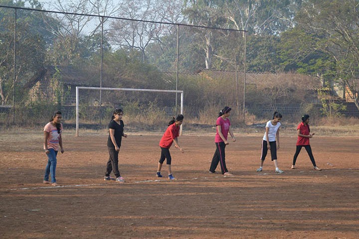 https://cache.careers360.mobi/media/colleges/social-media/media-gallery/1325/2018/11/26/Outdoor Games of People Tree Education Society Belgaum_Sports.jpg