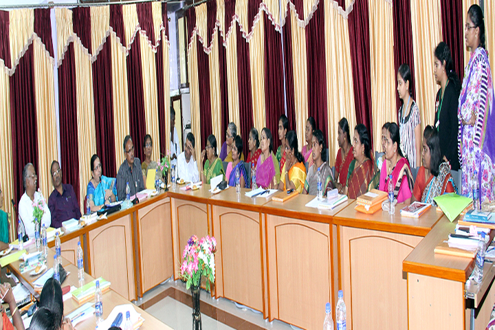 https://cache.careers360.mobi/media/colleges/social-media/media-gallery/13271/2016/12/27/DKM-College-for-Women-Vellore-(13).jpg