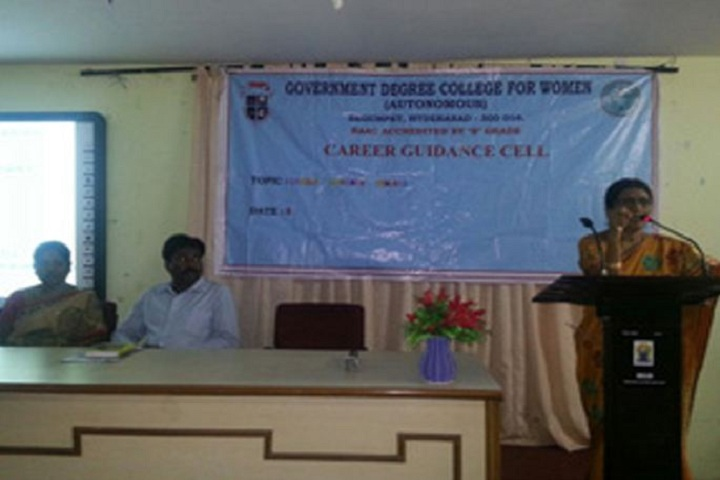 https://cache.careers360.mobi/media/colleges/social-media/media-gallery/13292/2018/12/13/Seminar of Government Degree College for Women Begumpet_Others.JPG