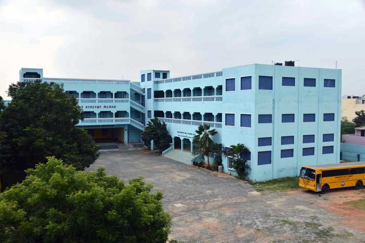 https://cache.careers360.mobi/media/colleges/social-media/media-gallery/13354/2019/5/21/Campus View of Thiruthangal Nadar College Chennai_Campus-View.jpg